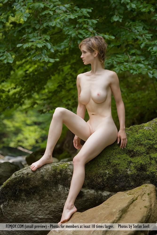http://pics.drtuber.com/media/photos/1204217.jpg