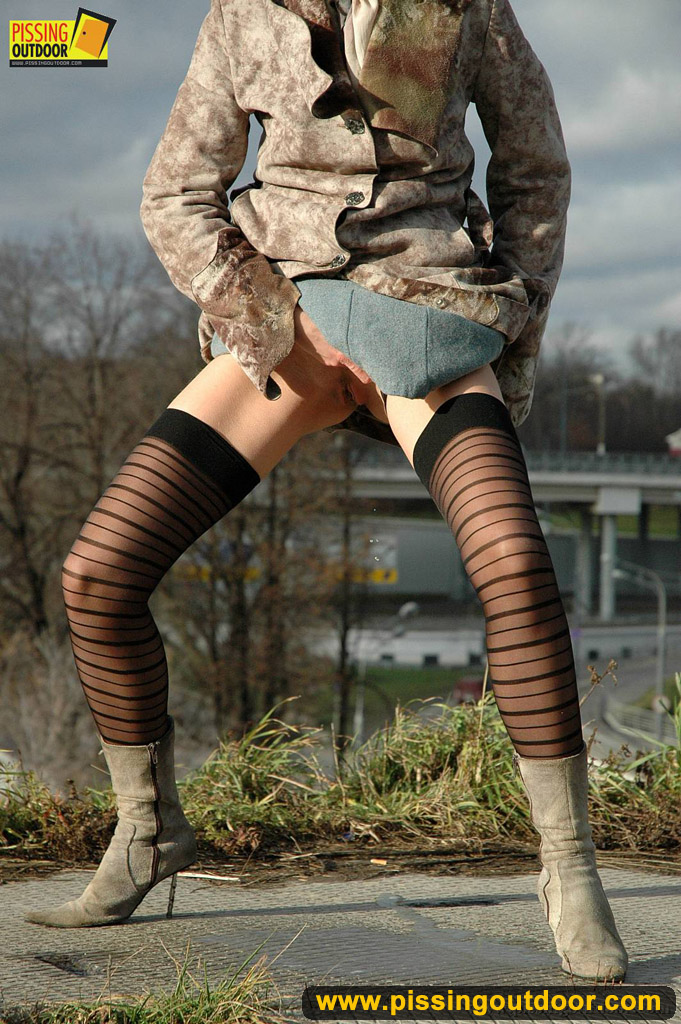 http://pics.drtuber.com/media/photos/1204229.jpg