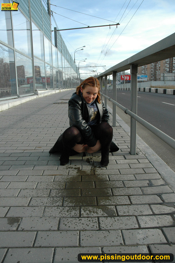 http://pics.drtuber.com/media/photos/1204244.jpg