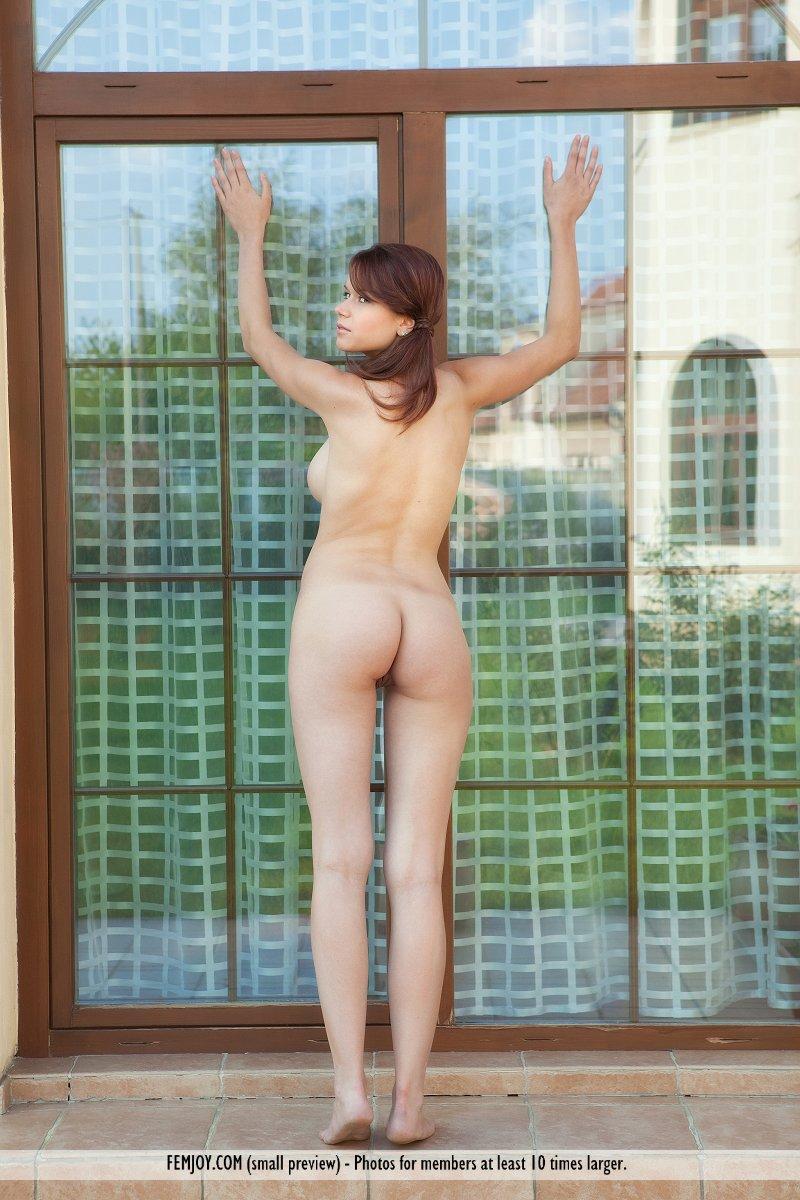 http://pics.drtuber.com/media/photos/1204343.jpg