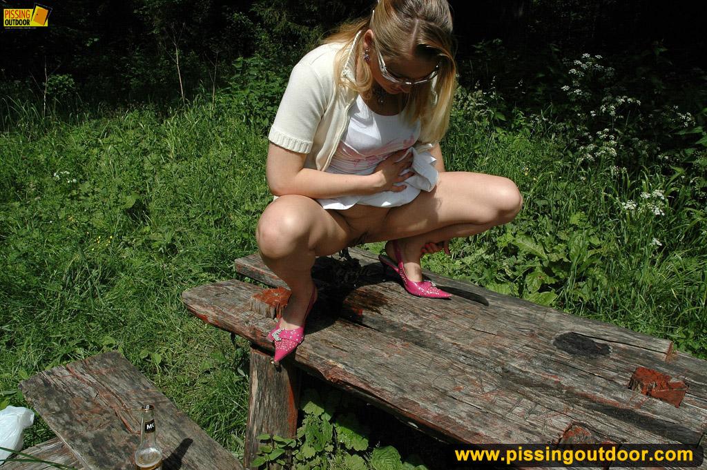 Девушки писсинг фото
