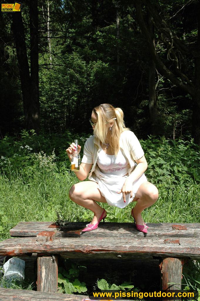http://pics.drtuber.com/media/photos/1204454.jpg