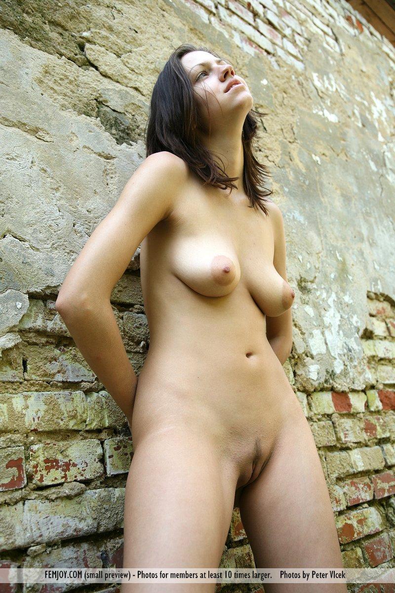 http://pics.drtuber.com/media/photos/1204477.jpg