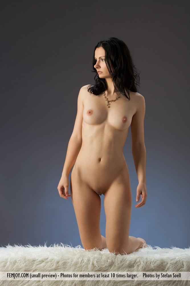 http://pics.drtuber.com/media/photos/1204518.jpg