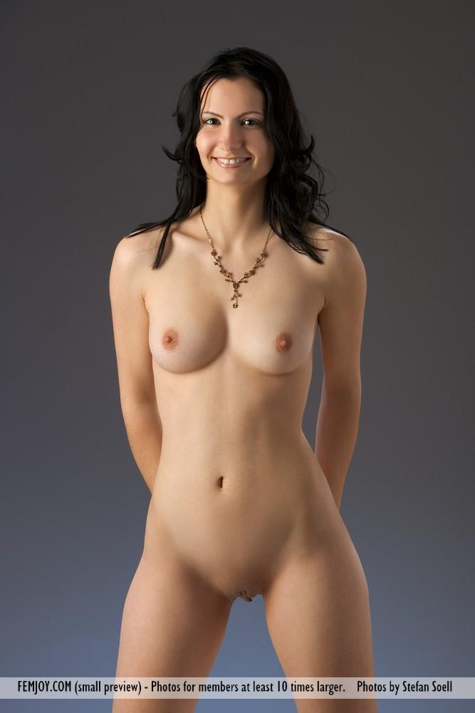 http://pics.drtuber.com/media/photos/1204520.jpg