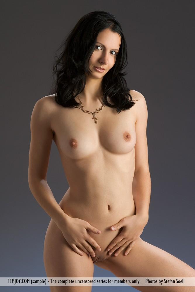 http://pics.drtuber.com/media/photos/1204521.jpg