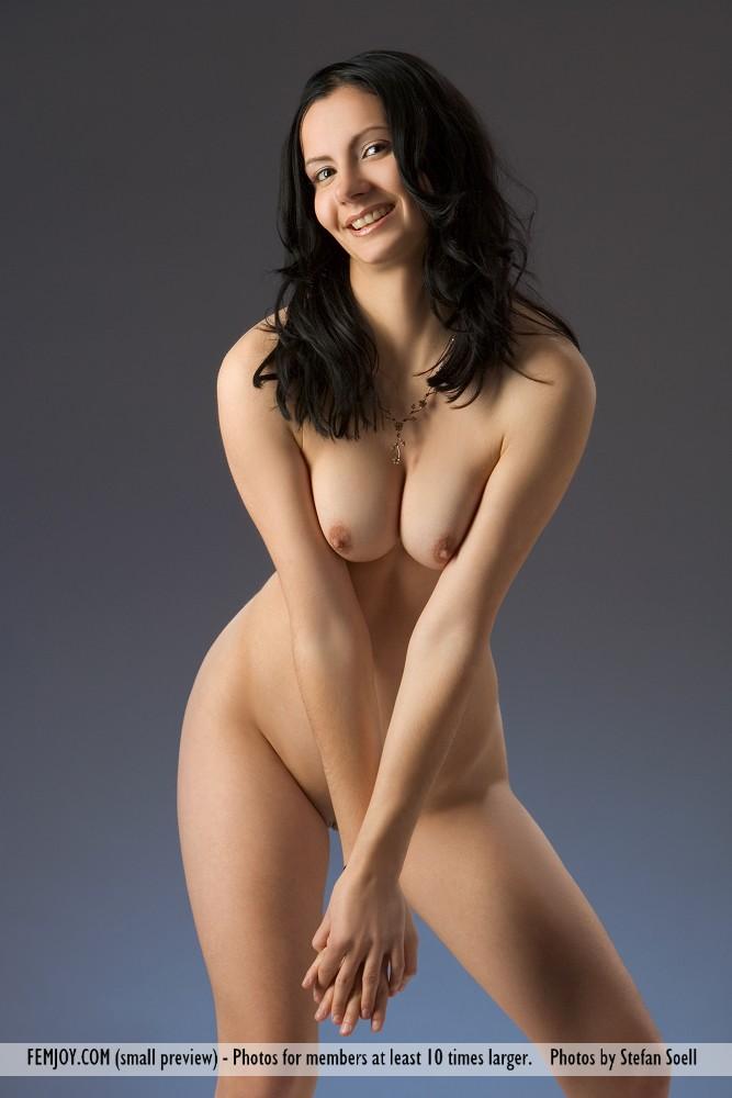 http://pics.drtuber.com/media/photos/1204523.jpg
