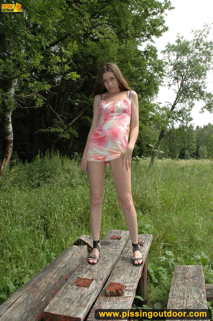 http://pics.drtuber.com/media/photos/1204539.jpg