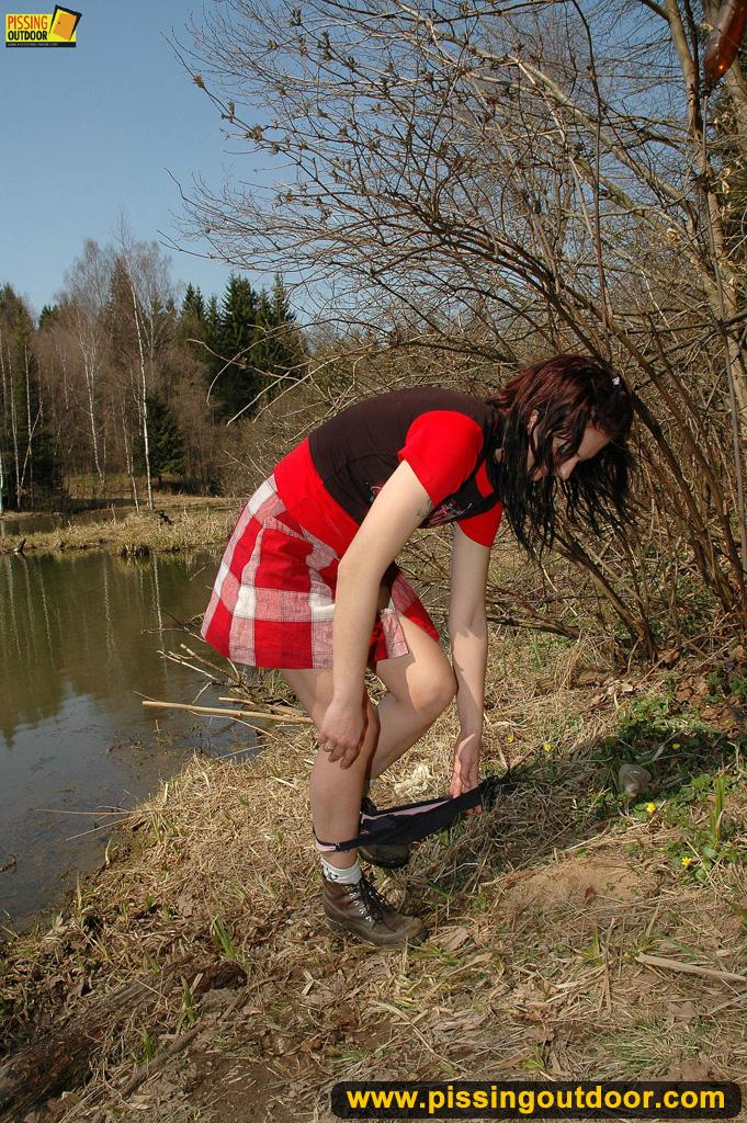 http://pics.drtuber.com/media/photos/1204884.jpg