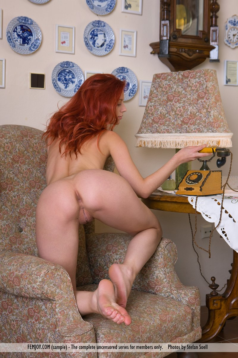 http://pics.drtuber.com/media/photos/1207441.jpg