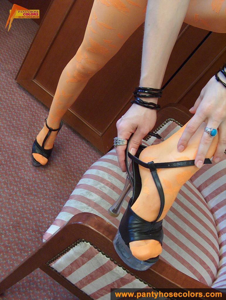 http://pics.drtuber.com/media/photos/1209334.jpg