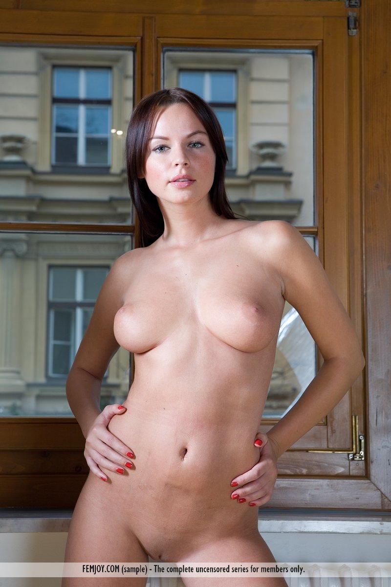 http://pics.drtuber.com/media/photos/1209405.jpg