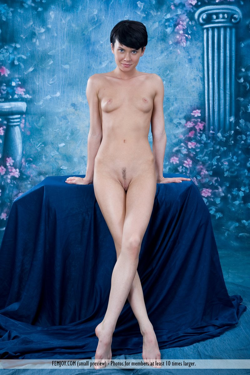 http://pics.drtuber.com/media/photos/1209804.jpg