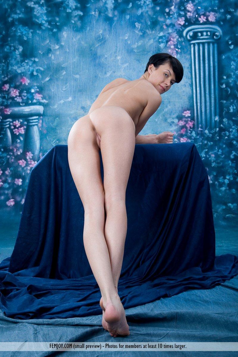 http://pics.drtuber.com/media/photos/1209832.jpg