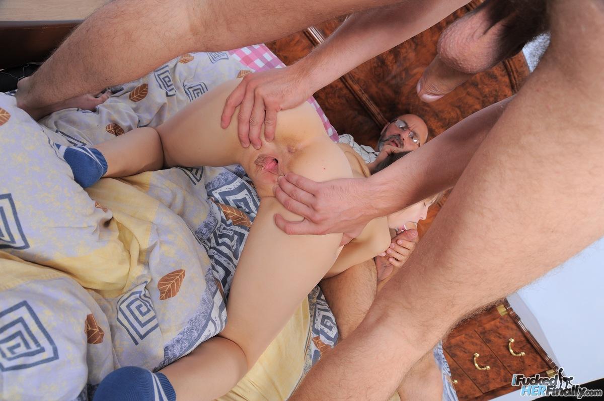 http://pics.drtuber.com/media/photos/1378089.jpg