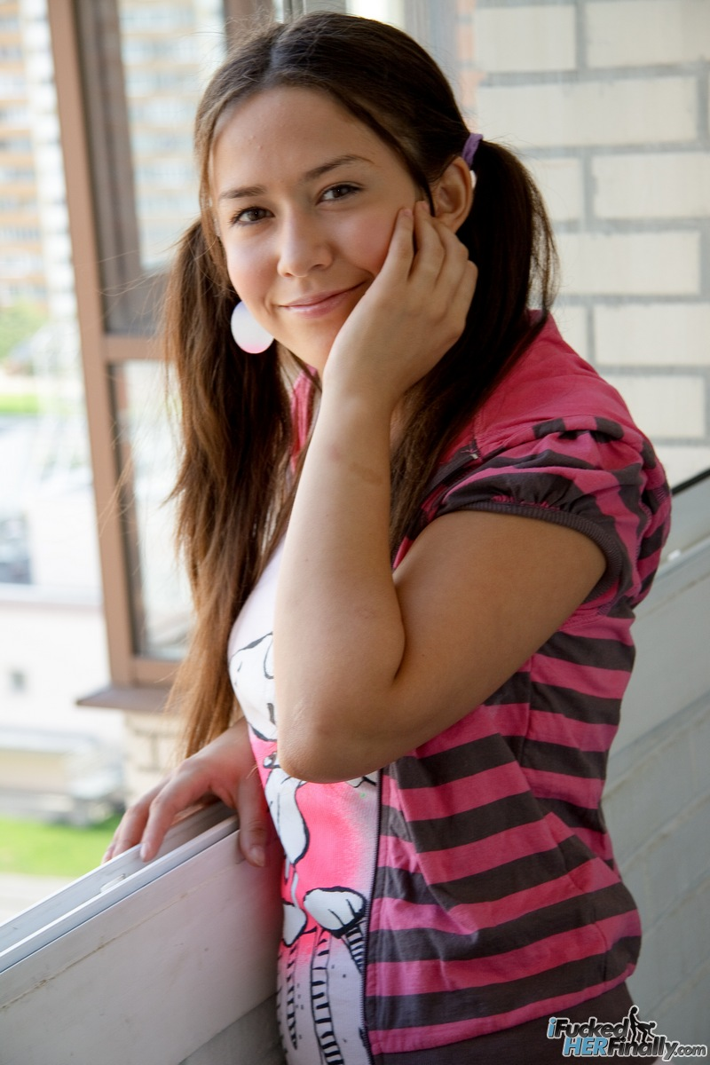 http://pics.drtuber.com/media/photos/1378738.jpg