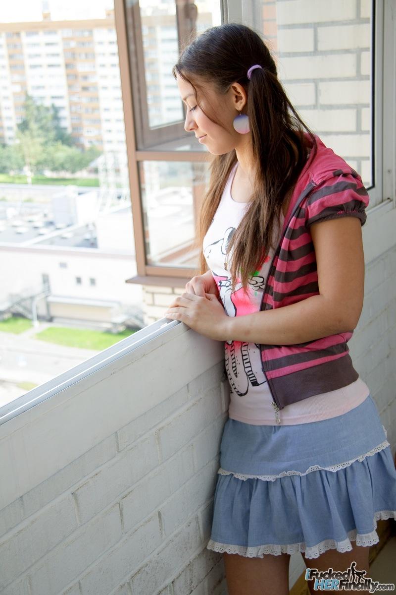 http://pics.drtuber.com/media/photos/1378767.jpg