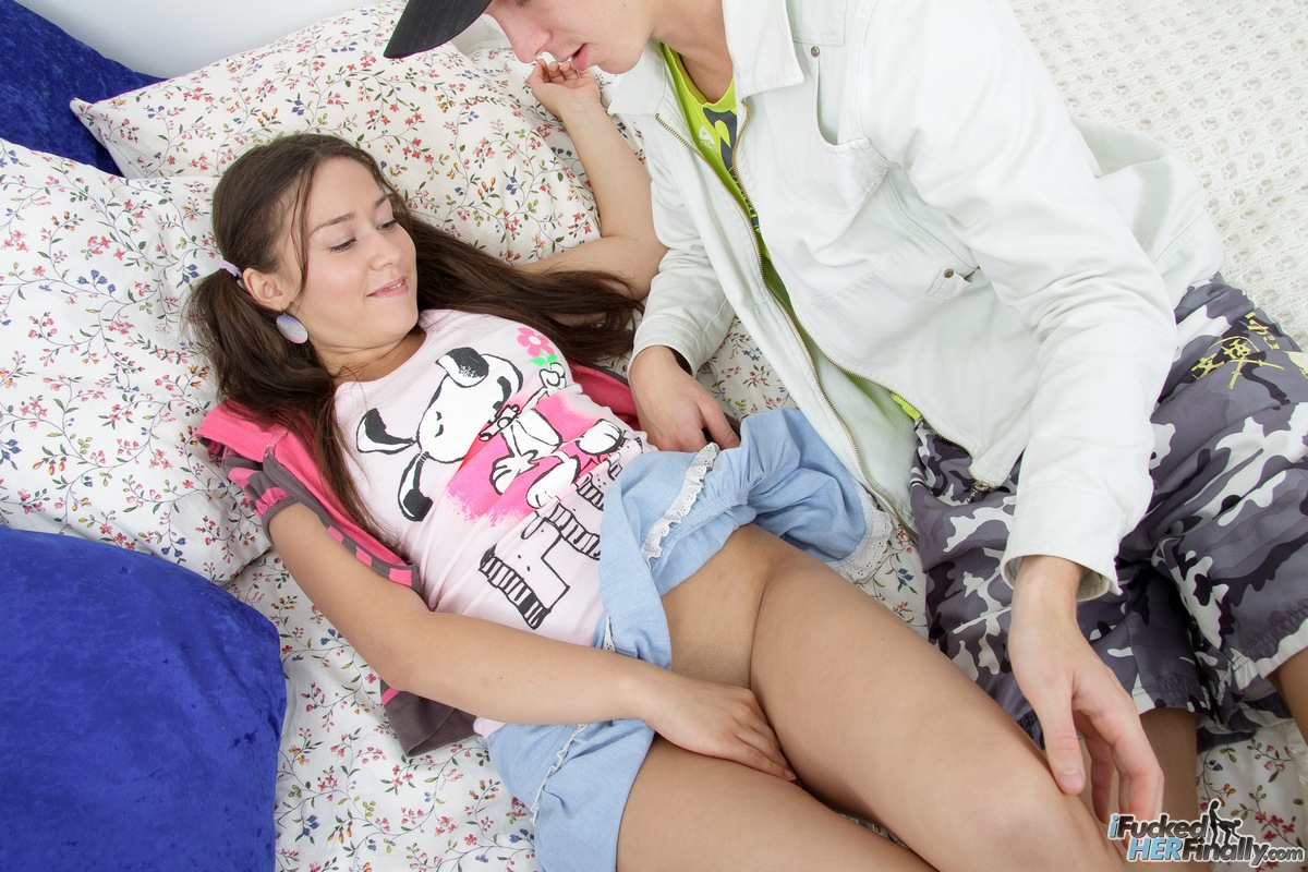 http://pics.drtuber.com/media/photos/1378771.jpg