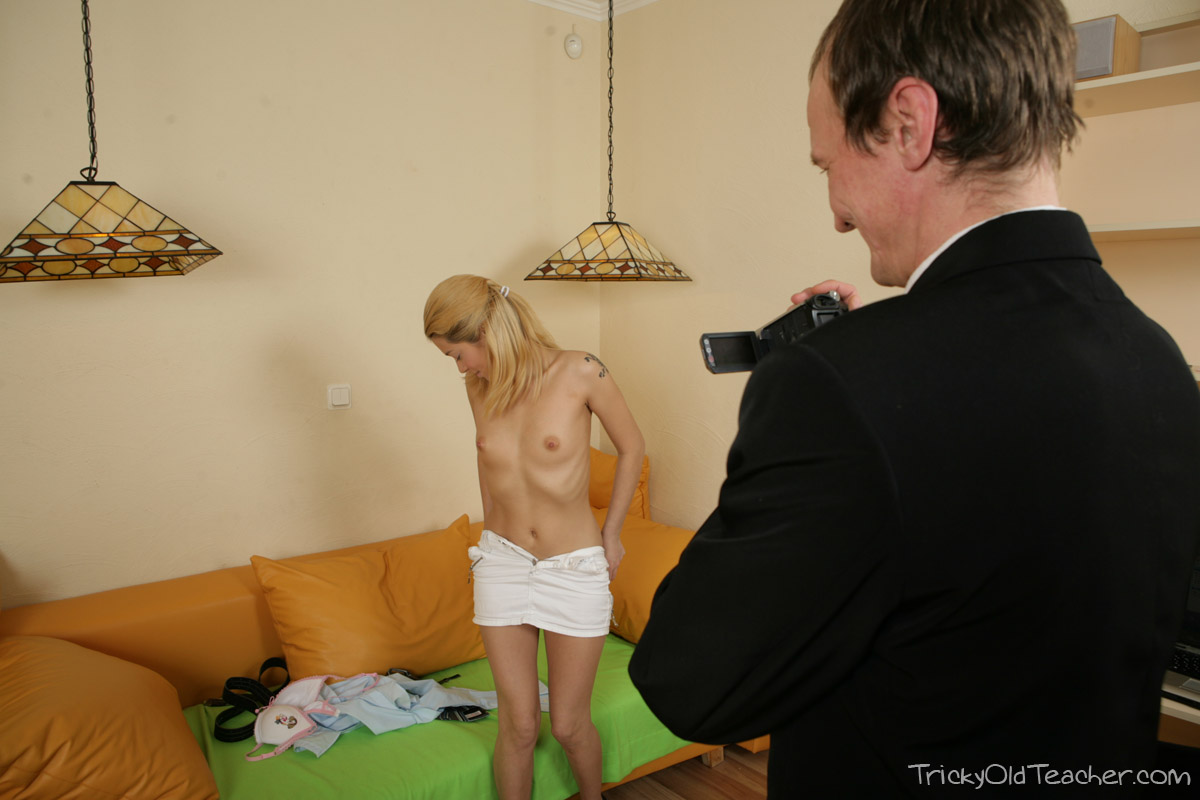 http://pics.drtuber.com/media/photos/1468420.jpg