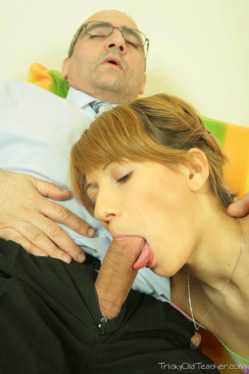 http://pics.drtuber.com/media/photos/1468919.jpg