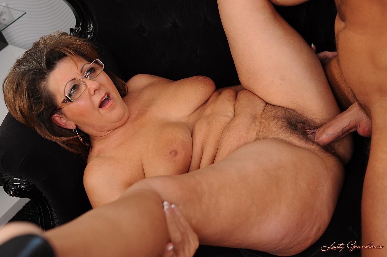 секс порно бабушки с разговором бесплатно фото
