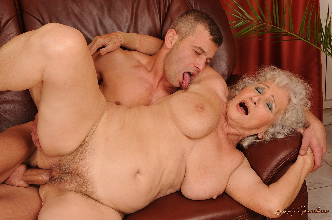 Porno granny russion video