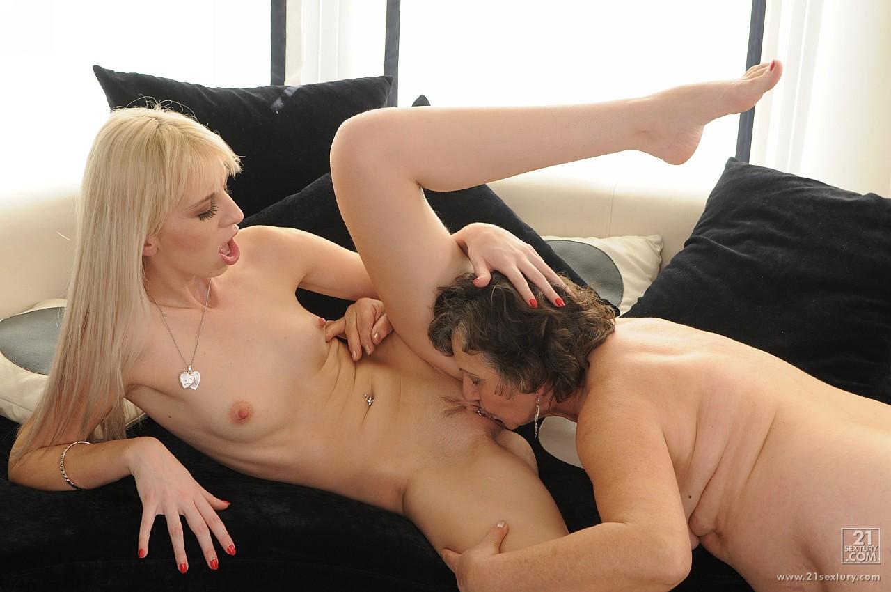 perviy-lesbiyskiy-opit-video