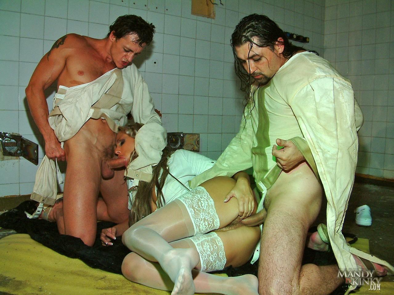 Секс медсестра пришла к поцеэнту онлайн 19 фотография