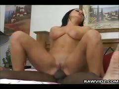 Женщины лезби в возрасте с большой грудью видео