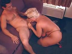 Грудастая зрелая блондинку обман ее мужа