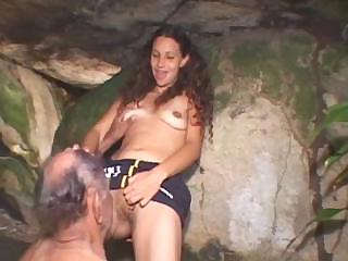 Porno Video of Babe Likes It Natural As She Sits On The Mature Dick And Rocks