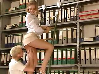 Porno Video of Girl Gets Fucked In The Office