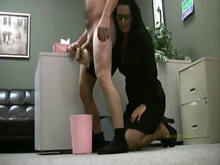 Porno Video of Lady Boss Handjobs Employee Only For His Cum