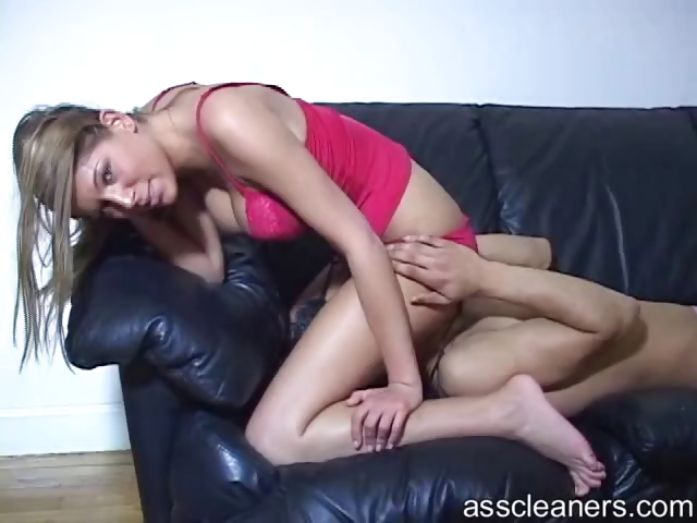 Porno Video of Mistress Sits On Man`s Face And Explodes Nasty Air