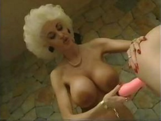 Porno Video of Unforgettable Retro Porn Scene With Incredibly Stacked Blondie