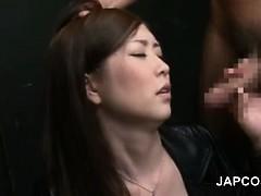 Смотреть порно жену ебут огромным членом при муже