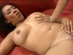 Старая полная тётка трахается и снимается в порнухи