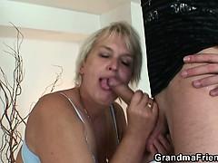 Порно с учительницей в классе молодой долго видео