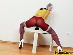 Учитель физкультуры трахается в спортзале