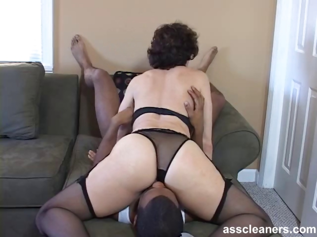 Porno Video of Oldie Mistress Is Horny While Having Her Ass Hole Licked