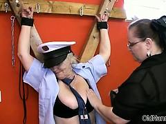 Полицейские лесби видео