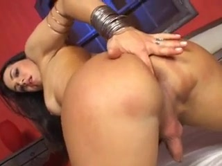 Porno Video of Mickelly Miranda, Brazilian Shemale