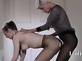 18yo schoolgirl gets fuck from strap on