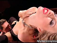 Сексуальные блондинки сосут онлайн видео