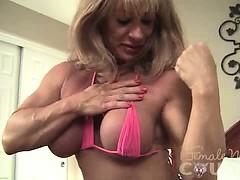 Отец лижет жопу у дочери порно видео