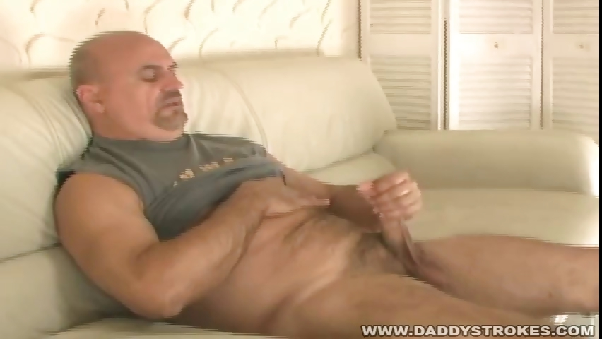Porn Tube of Bearish Daddy Matt Jerking Off