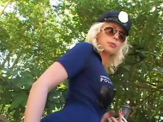 Porno Video of Lorelei Lee Is A Mall Cop Who Does Some 69 And Then Gets Fucked