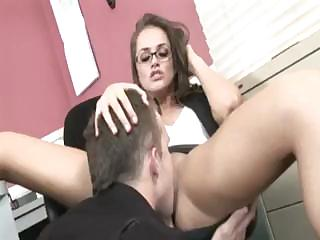 Porno Video of Secretary With A Nice Ass Gives Her Boss A Good Hot Fucking