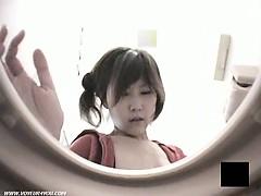 Туалет киска брызги мастурбация