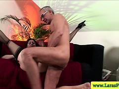 Смотреть порно ролики на висячих качелях